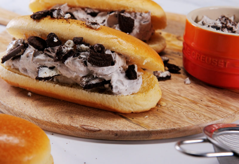 Cookies & Cream Hot Dog Oreo Recipe